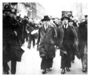 Harry Pollitt leading a procession in 1934