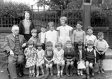 Park Bridge school photograph c. 1940
